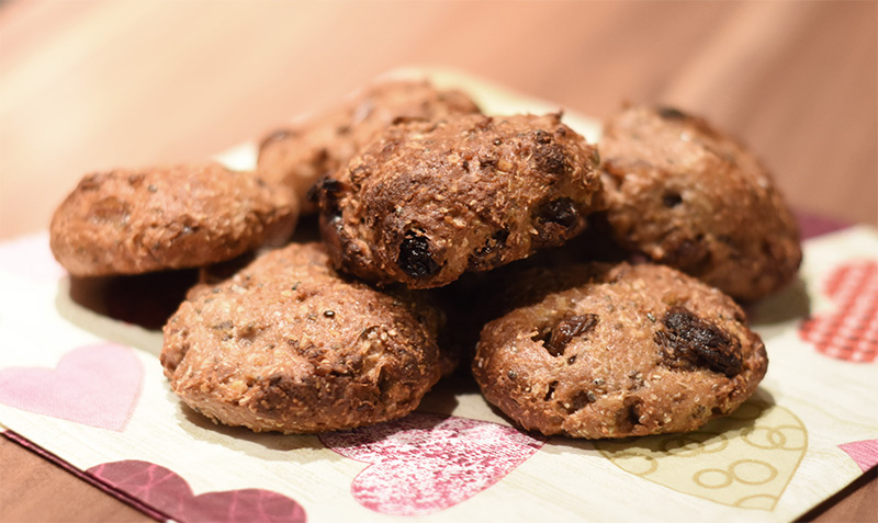 Zuckerfreie Kekse mit Trockenfrüchten, Haferflocken und Proteinen