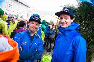 Mitch Riley (USA3) und Che Golus (AUS) unterhalten sich in der Athletes Area ä zooom / Harald Tauderer